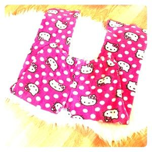 Hello kitty sleep pajamas in pink and white